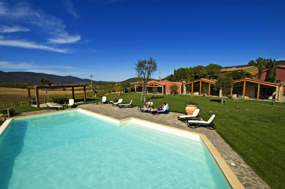 La residenza torribasse agriturismo con piscina in maremma torribasse agriturismo con - Saturnia agriturismo con piscina ...